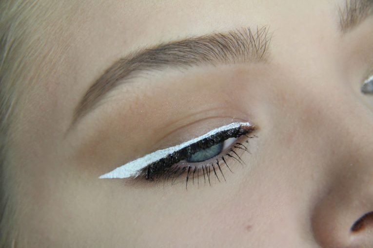 Makeup Look mit Fun-Linsen 4